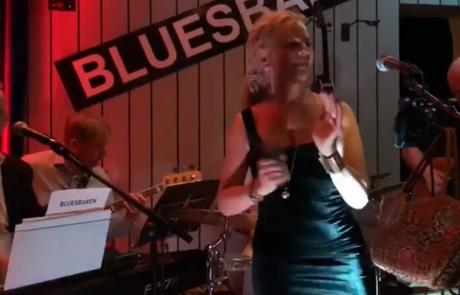 Videos: Som'thin' with Mallika at Bluesbaren